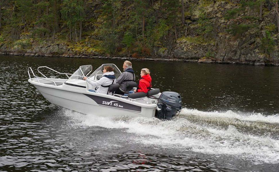Markkinoiden edullisin tuplapulpettivene Suvi 45 Duo