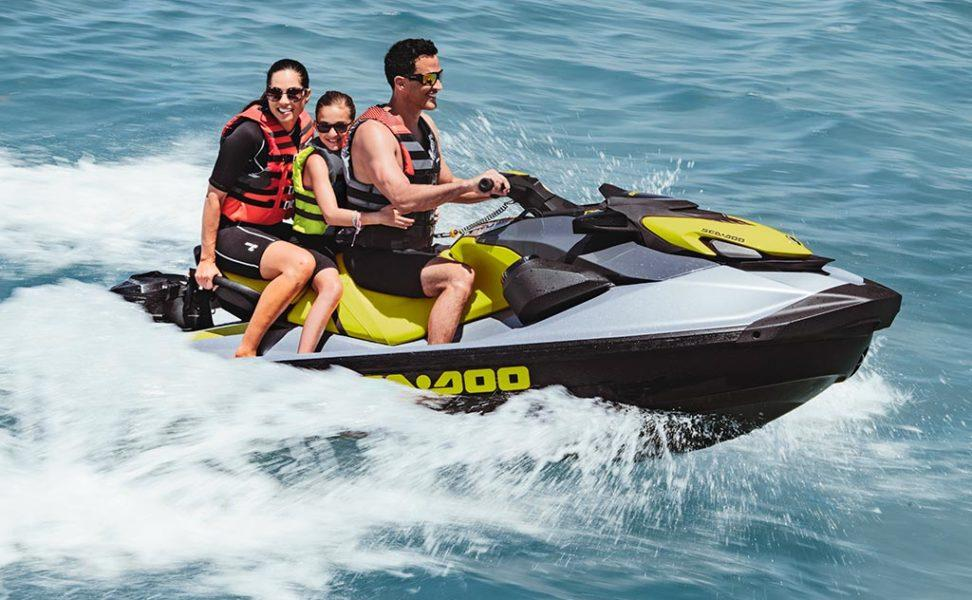 Sea-Doo GTI SE vuosimalli 2021, väri White & Reef Blue